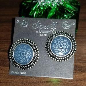 SCROLL earrings